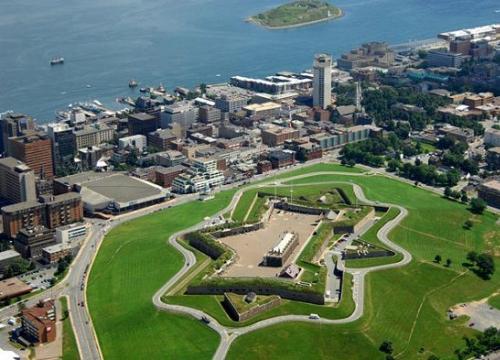 Du lịch Halifax tiết kiệm