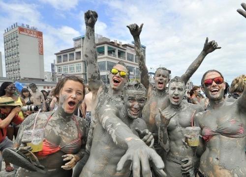 Lễ Hội Tắm Bùn Hàn Quốc - Boryeong Mud