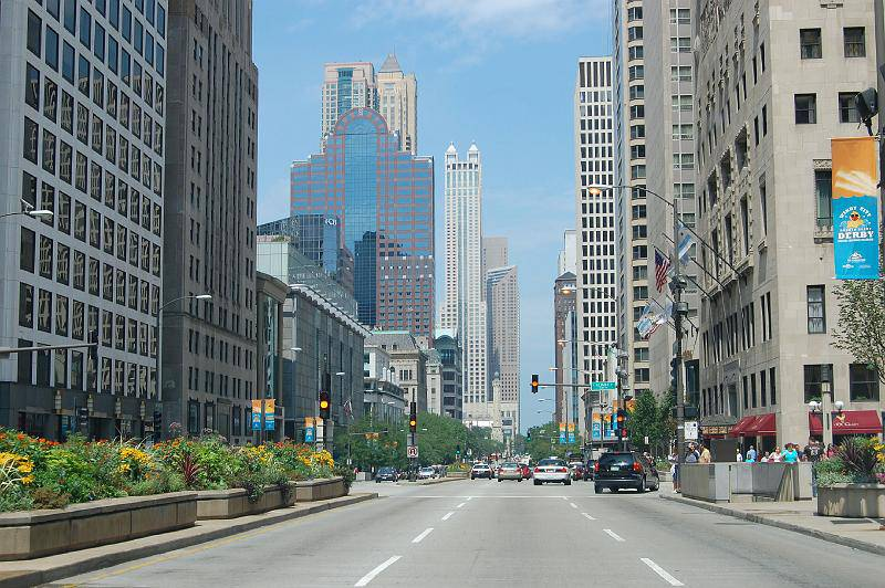 Chicago-View-Down-Michigan-Avenue