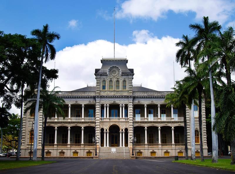 iolani-palace