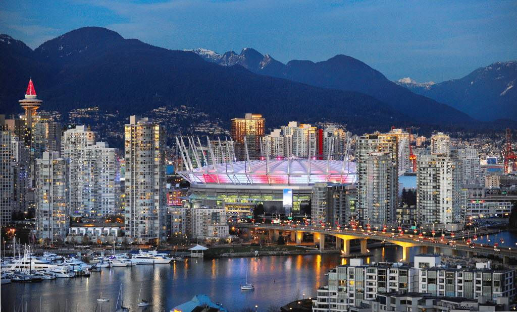 ve may bay di Vancouver chi tu 450 USD 1