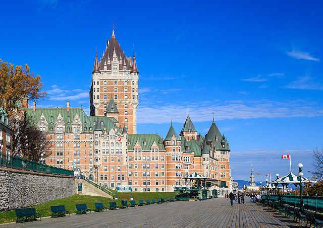 ve may bay di quebec gia re